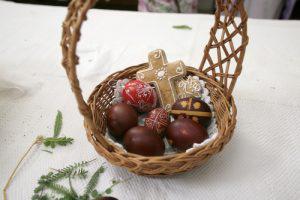 customizable easter basket ideas